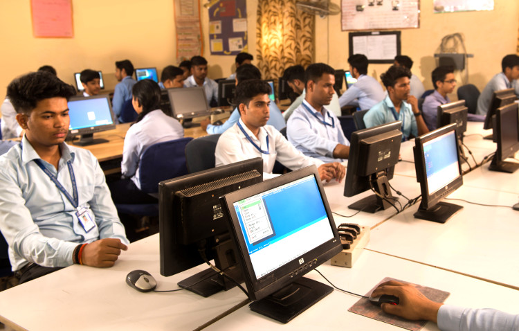 Top10 Diploma college for Medical Laboratory Technology in Delhi